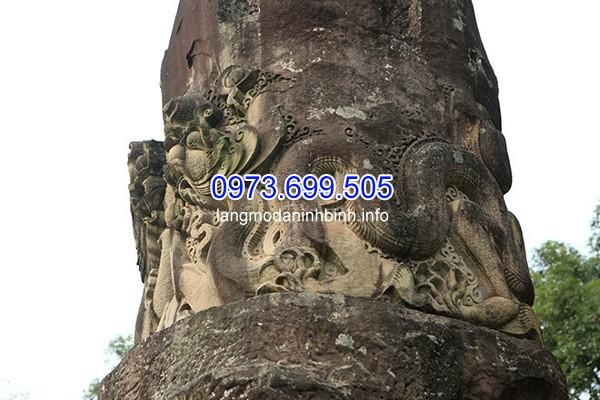 Thân rồng to, mập uốn khúc quanh cột mang đậm phong cách thời Lý