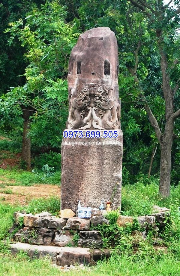 Cột đá rồng cổ từ thời lý phát hiện ở chùa Dạm núi Lãm Sơn (xã Nam Sơn, TP. Bắc Ninh, tỉnh Bắc Ninh)