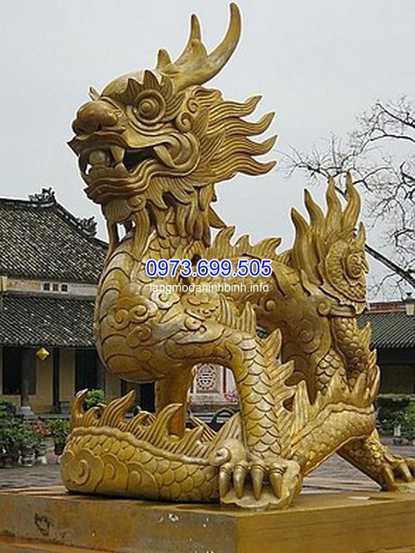Tượng rồng trong cung đình Huế