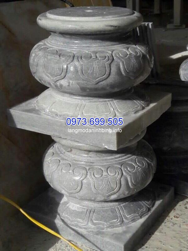 Chân cột được làm từ đá khối cao cấp
