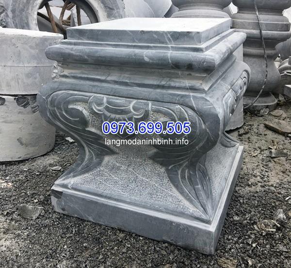 Mẫu chân cột vuông làm từ đá xanh nguyên khối