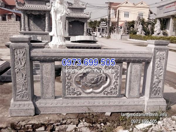 Lan can đá chạm khắc bông sen Việt Nam