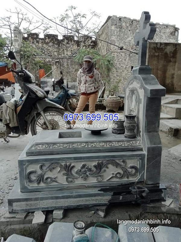 Mộ công giáo đá tự nhiên chạm khắc đẹp chất lượng tốt giá hợp lý