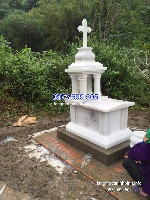 Mộ công giáo đá tự nhiên chạm khắc tinh tế chất lượng cao giá hợp lý