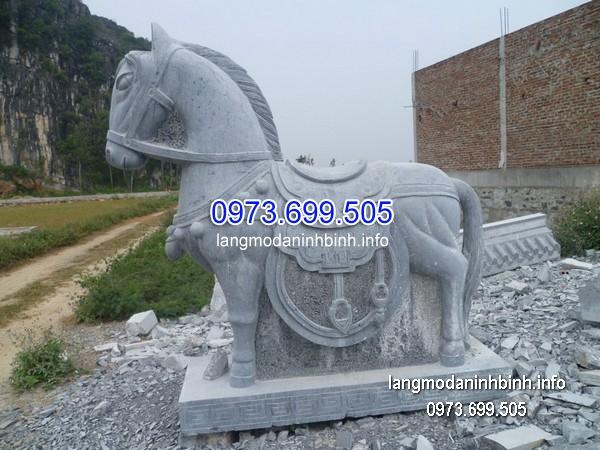 Ngựa đá đẹp chất lượng cao giá hợp lý