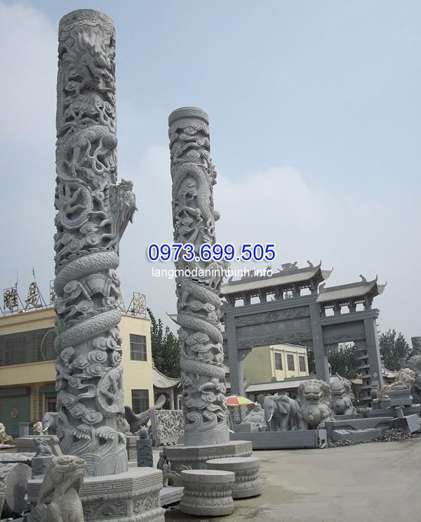 Cột đá chạm rồng kích thước lớn