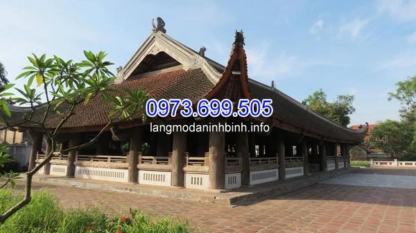 Đình Chu Quyến hay còn gọi là đình Chàng, ngôi đình tiêu biểu cho kiến trúc gỗ dân gian truyền thống của Việt Nam.