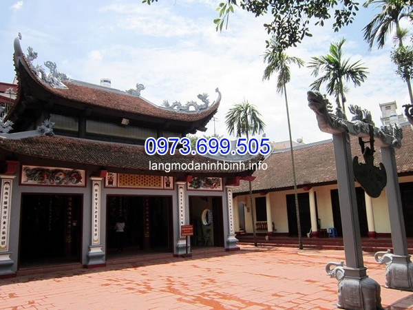 Phủ Tây Hồ nằm trên bán đảo lớn giữa Hồ Tây; nay thuộc phường Quảng An, quận Tây Hồ, thành phố Hà Nội, Việt Nam. Phủ thờ Liễu Hạnh Công chúa, một nhân vật trong truyền thuyết, và là một trong bốn vị thánh bất tử trong tín ngưỡng của người Việt.