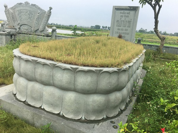 Mẫu mộ tổ bằng đá xanh rêu đẹp