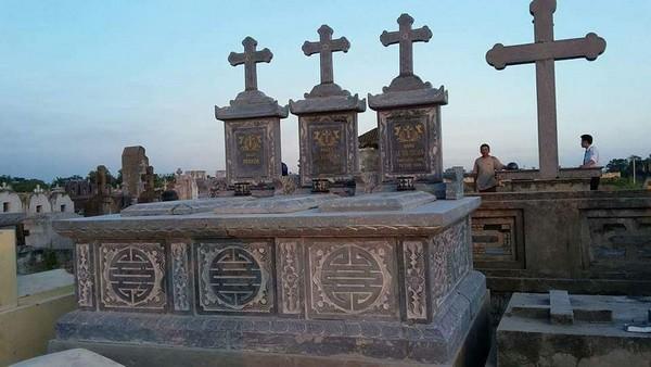 Mẫu ngôi mộ công giáo đẹp bằng đá chất lượng cao