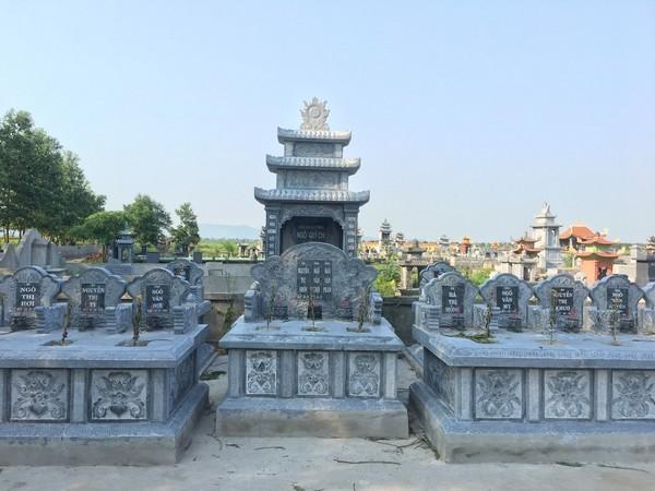 Lăng mộ đá dòng tộc