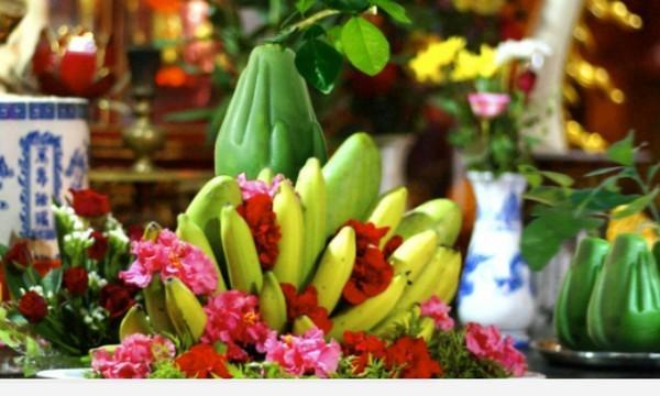 Mâm cúng Phật chỉ cần sắp một mâm cơm chay hoặc đơn giản hơn là mâm ngũ quả rồi thụ lộc tại nhà.