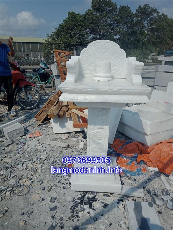 Mẫu khóm thờ bằng đá trắng tự nhiên chạm khắc hoa văn tinh xảo