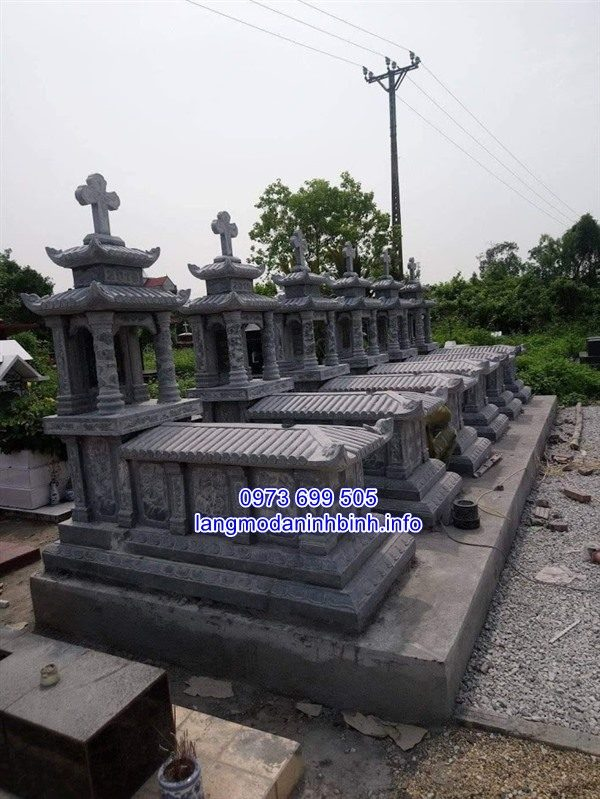 Lăng mộ đá công giáo đẹp