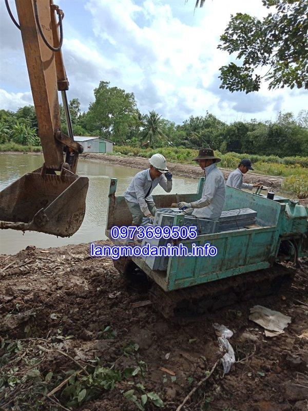 Lắp đặt lăng mộ đá gia đình tại huyện Tam Bình tỉnh Vĩnh Long 02