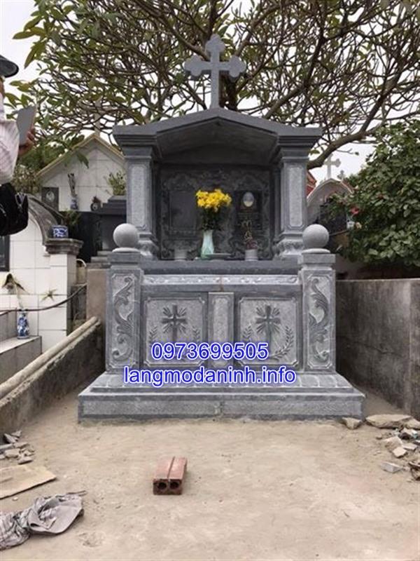 Mẫu mộ đá đôi công giáo chạm khắc hoa văn tinh xảo