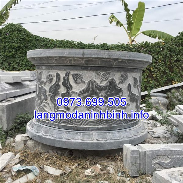 Mộ đá tròn nguyên khối được chế tác tại cơ sở Đá Mỹ Nghệ Ninh Bình;