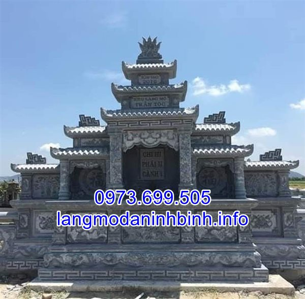Lăng mộ tổ bằng đá xanh nguyên khối