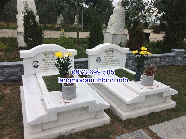 Mẫu mộ đôi bằng đá trắng nguyên khối thiết kế đẹp