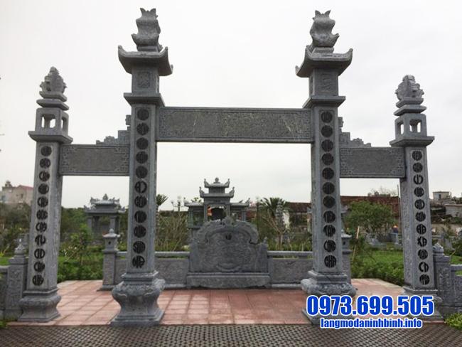 cổng tam quan bằng đá khu lăng mộ