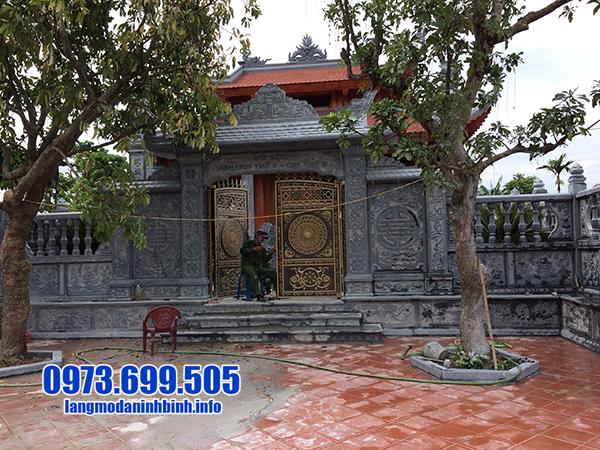 mẫu cổng nhà thờ họ bằng đá xanh
