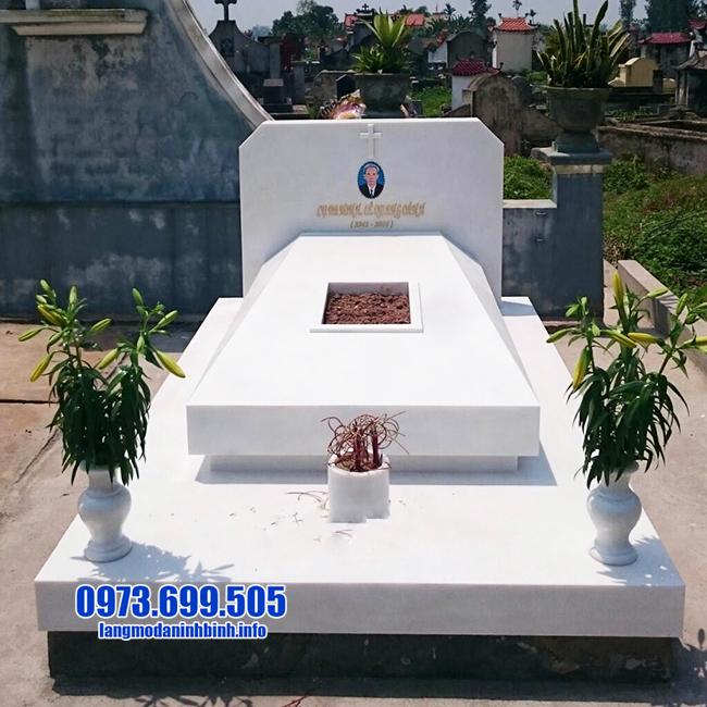 mẫu mộ đơn giản bằng đá trắng