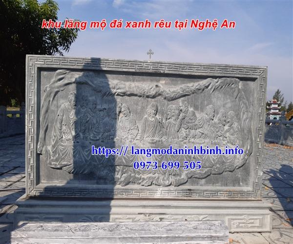 Lắp đặt bình phong đá khu lăng mộ tại Nghệ An