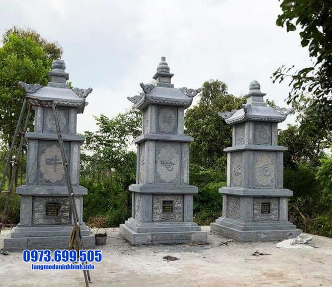 mẫu mộ đá hình tháp tại Huế đẹp