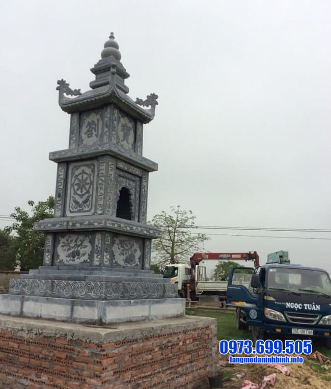 mẫu mộ tháp đá tại bình phước