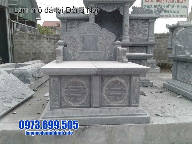 mộ đá đôi tại đồng nai
