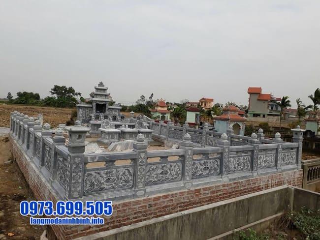 khu lăng mộ đá tại Quảng Bình