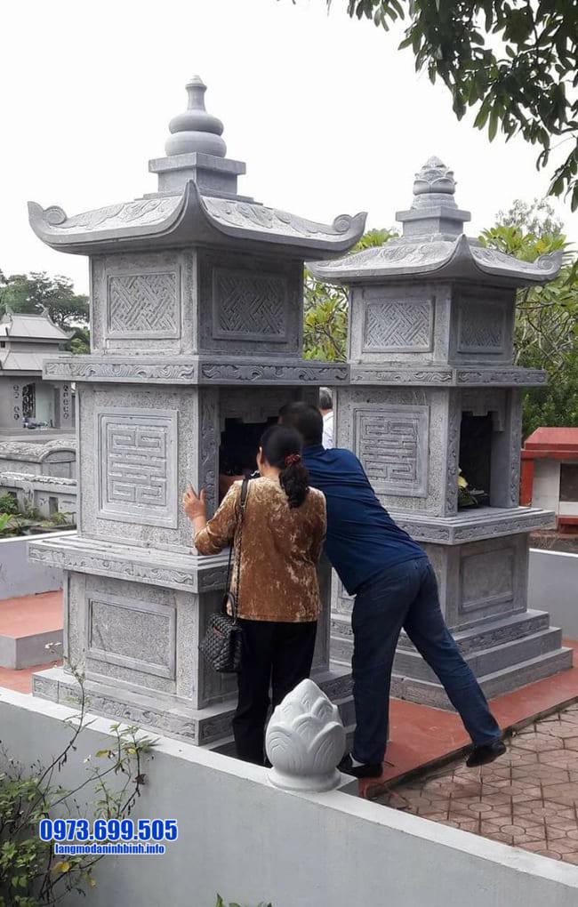 mẫu mộ đá hình tháp tại Đà Nẵng