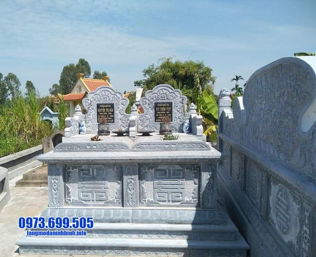 mộ đôi bằng đá tại Huế
