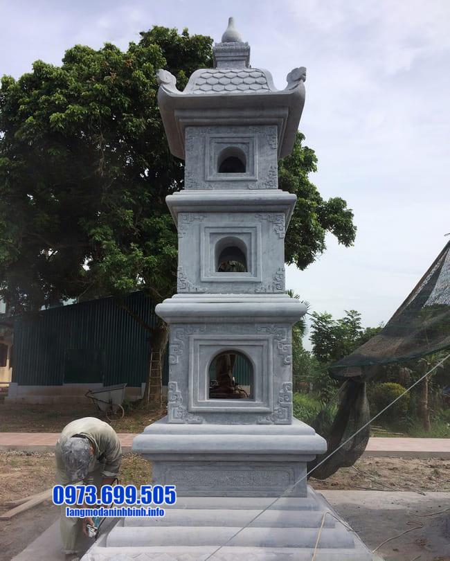 mẫu mộ đá hình tháp tại Long An