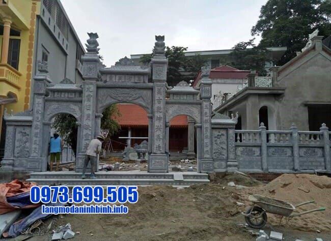 cổng tam quan bằng đá tại Quảng Ninh