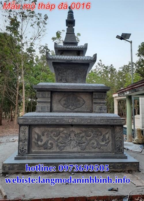mộ tháp đá tại Bạc Liêu