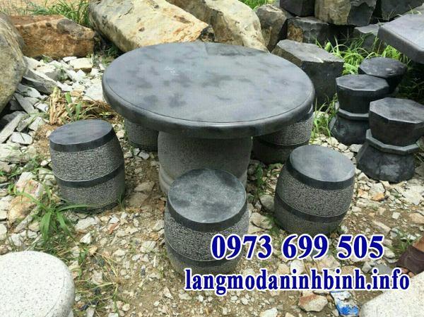 Mẫu bàn ghế đá tự nhiên nguyên khối